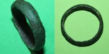 Ancient Coins - Celtic bronze ring - 600-200 BC green patina
