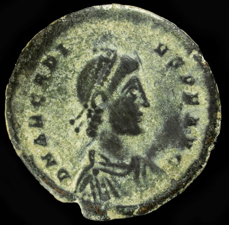 Ancient Coins - Arcadius - GLORIA ROMANORVM, Nicomedia - 23 mm / 4.59 gr.