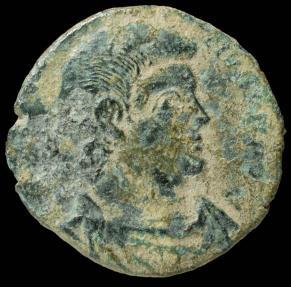 Ancient Coins - Magnentius - VICTORIAE DD NN AVG ET CAES, Trier - 20 mm / 4.30 gr.