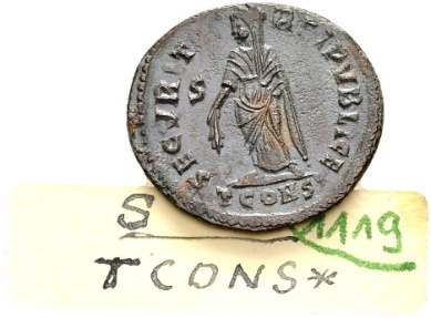 Ancient Coins - Helena, AE Follis (19mm, 2.52 g) Arelate AD 328 / Ex Lückger