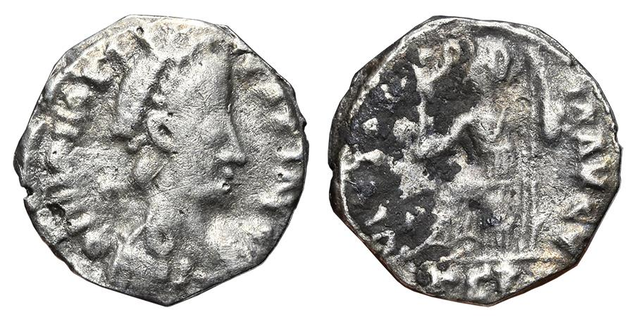 Ancient Coins - VANDALS (Honorius). Siliqua. 440-490 AD. Pseudo-Ravenna, Gaul (Narbonne?) PSRV. VERY RARE.