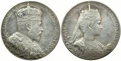 World Coins - ENGLAND. EDWARD VII OFFICIAL CORONATION MEDAL.  1902.