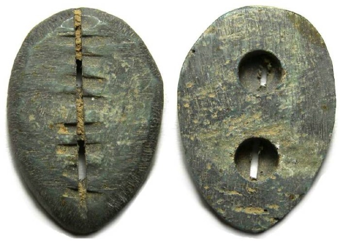 Ancient Coins - China, Zhou Dynasty. Carved bone Cowry imitation.