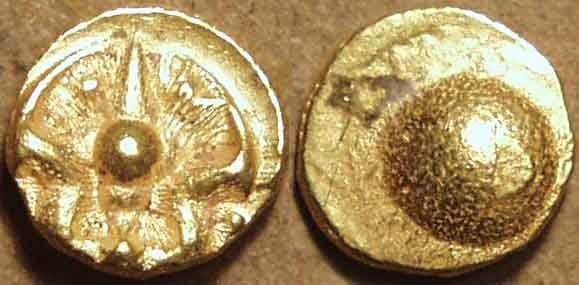 World Coins - Silaharas of Karad: Anonymous Gold double fanam. SCARCE!