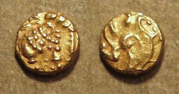 World Coins - INDIA: WESTERN GANGAS: Anonymous Gold fanam. RARE & CHOICE!