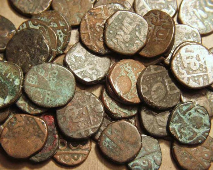 Ancient Coins - INDIA, SIKH, Lot of 50 AE paisas, mostly Amritsar, several varieties included.