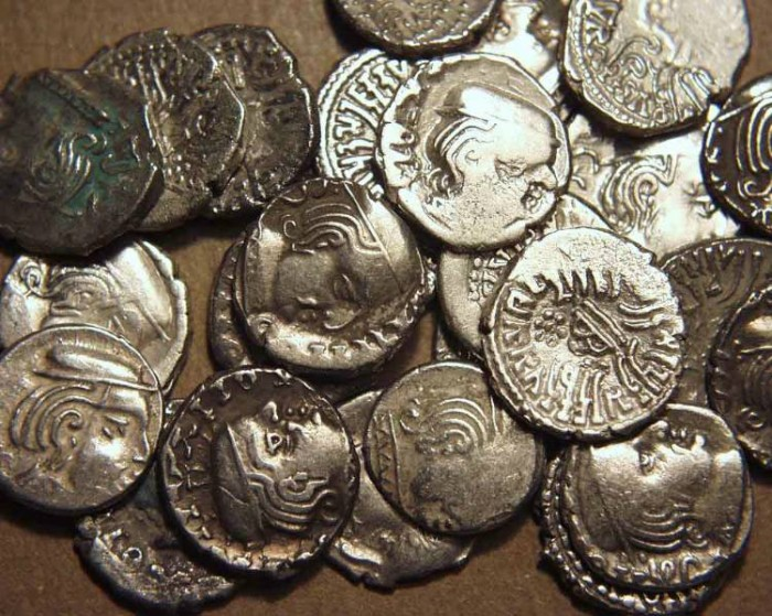 Ancient Coins - INDIA, WESTERN KSHATRAPAS: Unattributed Mixed AR drachms - Lot of 225 coins
