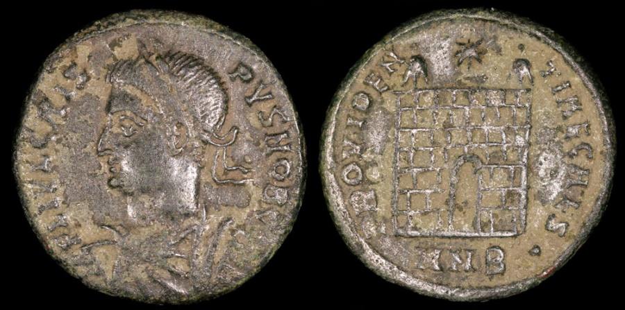 Ancient Coins - Crispus Ae3 - PROVIDENTIAE CAESS - Nicomedia Mint