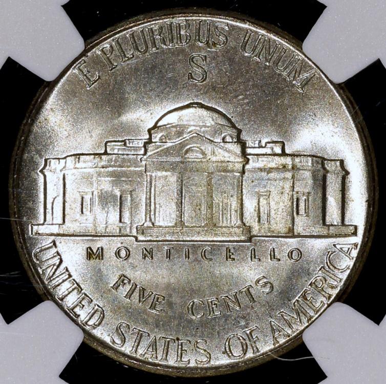 Die Dollar-Münze (englisch dollar coin) ist eine Münze der Vereinigten Staaten im Wert von einem US-Dollar. Im täglichen Zahlungsverkehr wird sie nur selten verwendet, der 1 .