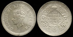 World Coins - 1945 B India (British) 1 Rupee UNC