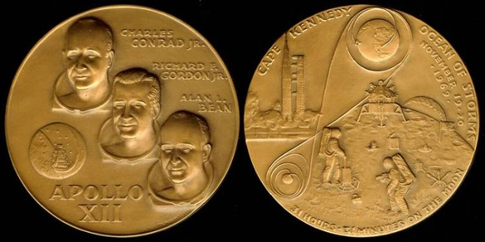 US Coins - 1969 US: Apollo 12 commemorative medal