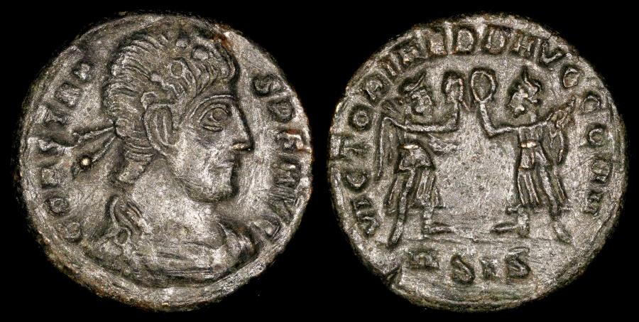 Ancient Coins - Constans Ae4 - VICTORIAE D D AVGG N N - Siscia Mint