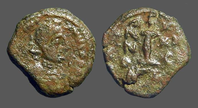 Ancient Coins - Justinian AE decanummium I surmounted by cross, Nikomedia