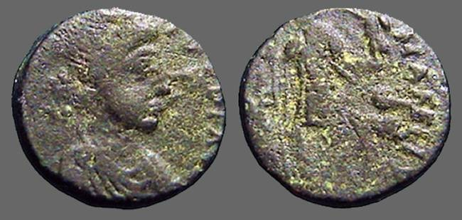 Ancient Coins - Honorius AE14, VRBS ROMA FELIX. Roma holding Victory.