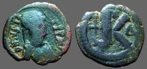 Justin I AE26 1/2 Follis.  Constantinople.  Long Cross.  Delta Officiana