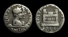 Ancient Coins - AUGUSTUS, 27 BC-AD 14. AR Denarius (3.72g) issued by Q. Rustius.