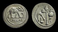 Ancient Coins - Julius Caesar, assassinated 44 BC. AR Denarius (3.89g).