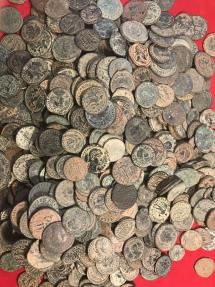 Ancient Coins - Lot of 670 different Roman bronze folles # LD302