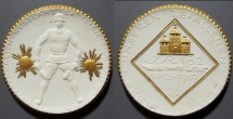 World Coins - German white porcelain medal, gold gilded, Freiberg 182nd Infantry Regiment remembrance