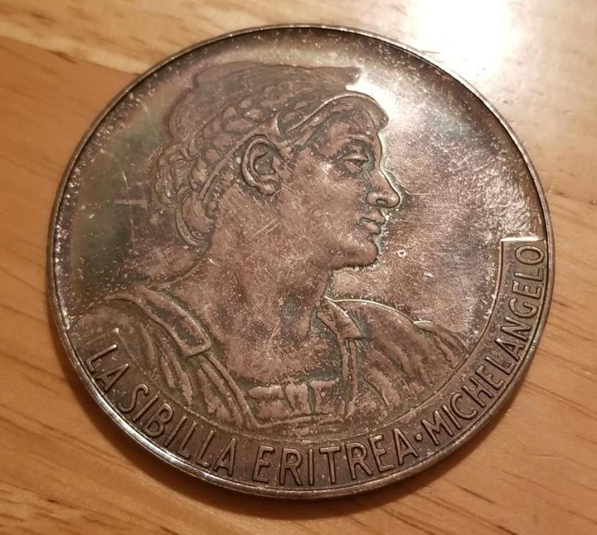 World Coins - very large silver medal - Opera Maxima in Saeculis - crazy toning!