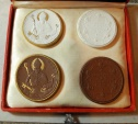 World Coins - German porcelain medal set - 1921, in original case!!  Meissen