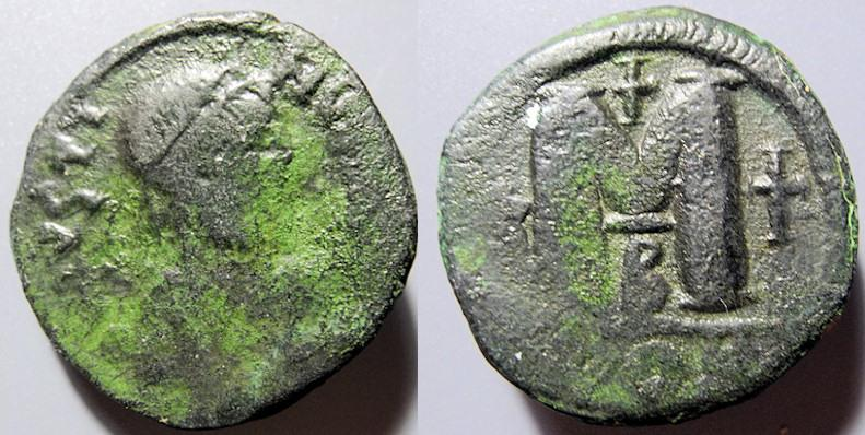 Ancient Coins - Byzantine Empire, AE follis, Justin I, 518-527 AD, Constantinople mint