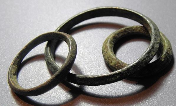 three celtic ring money proto money