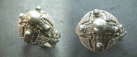 Ancient Coins - Beautiful Silver Late Roman or Byzantine ring with elaborate pearl design.