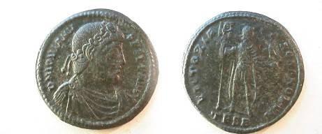 Ancient Coins - Jovian Æ1 (30mm).  VICTORIAE ROMANORVM, Jovian standing facing, head right, holding labarum & Victory on globe, TESB in ex.