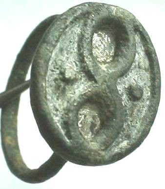 Ancient Coins - Romani, or Romano-Celtic, bronze seal ring with figure-8 and dots.  Size 10.