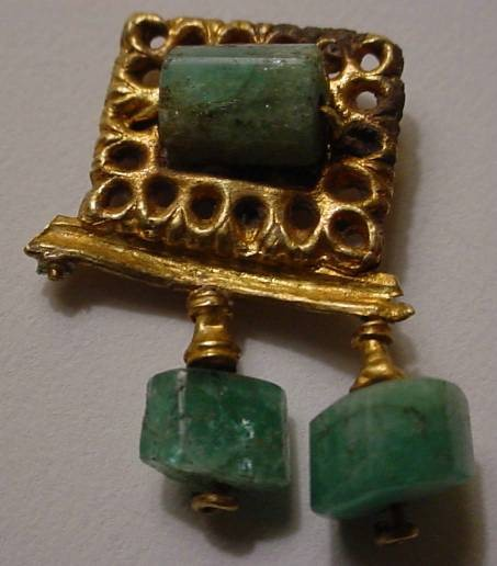 Ancient Coins - Beautiful Roman Gold Earring with a green stones and very interesting design.