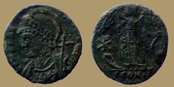 Ancient Coins - CONSTANTINOPOLIS - AE reduced commemorative follis - Chi-Rho - Arles mint - RIC.386 r4