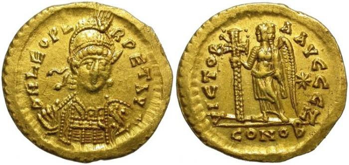 Ancient Coins - LEO. GOLD SOLIDUS. BYZANTINE EMPIRE. VERY ROUND STRIKE.