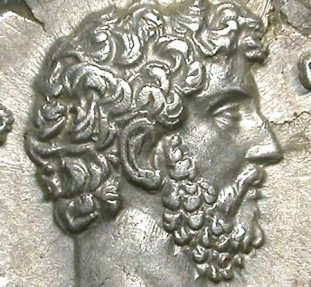 Ancient Coins - AELIUS. DENAR. A EF. SOME LEAVES ON FIELDS BUT WITH AN INCREDIBLE PORTRAIT !