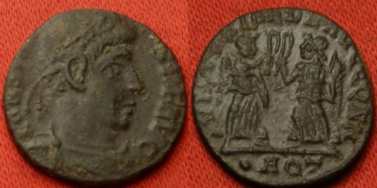Ancient Coins - CONSTANS AE3. Aquileia mint. Two Victories standing, holding wreaths & palms.