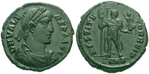 Ancient Coins - aEF/aEF Valens AE3 / Emperor holding Victory R2