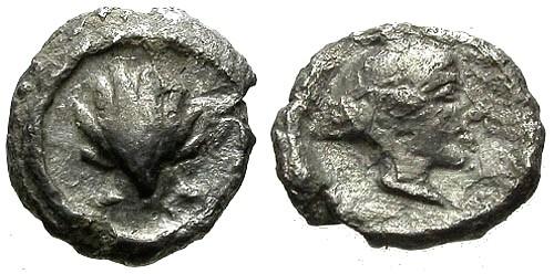 Ancient Coins - VF/aVF Calabria Tarentum AR Half-litra / Scallop shell / Nymph