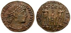 Ancient Coins - Constantius II Æ4 / Soldiers and standard