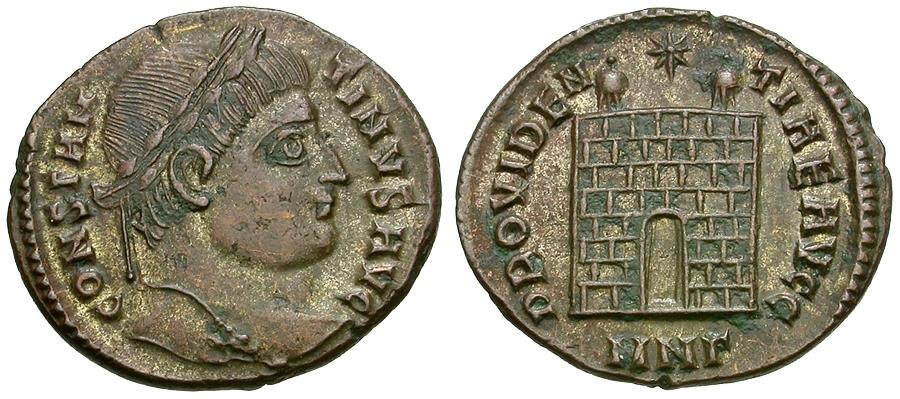 Ancient Coins - Constantine I the Great (AD 307-337) Æ3 / Campgate