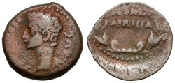 Ancient Coins - Augustus.  Spain. Colonia Patricia Æ26 / Wreath
