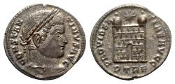 Ancient Coins - Constantine I (307-337). Æ Follis - Treveri - R/ Camp gate