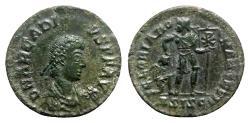 Ancient Coins - Arcadius (383-408). Æ - Siscia - R/ Emperor with captive