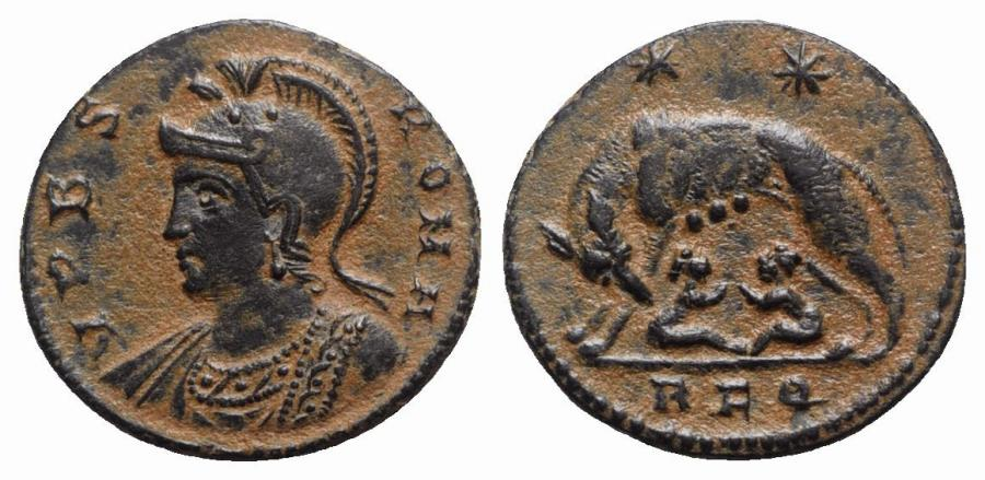 Ancient Coins - Commemorative series, c. 330-354. Æ - Rome - R/ She-wolf