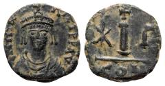 Ancient Coins - Maurice Tiberius (582-602). Æ 10 Nummi - Constantinople