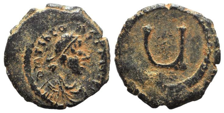 Ancient Coins - Tiberius II Constantine (578-582). AE 5 Nummi. Constantinople, 579-582.