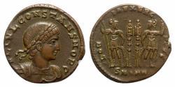 Ancient Coins - Constans (337-350). Æ Follis - Antioch - R/ Soldiers
