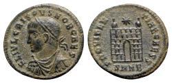 Ancient Coins - Crispus (Caesar, 316-326). Æ Follis - Nicomedia - R/ Camp-gate