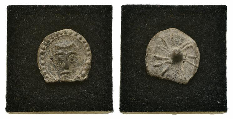 Ancient Coins - PB Pilgrim Badge, c. 15th century. Facing head of St. Peter? R/ dot / star.