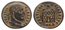 Ancient Coins - Constantine I (307/310-337). Æ Follis - Cyzicus - R/ Camp-gate