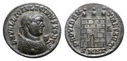 Ancient Coins - Licinius II (Caesar, 317-324). Æ Follis - Heraclea - R/ Camp-gate